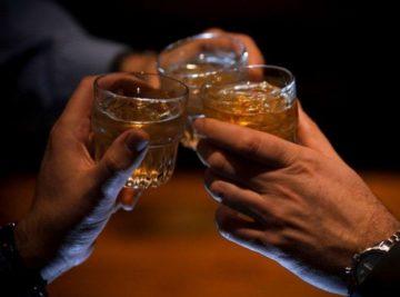Почему после пьянки с похмелья так сильно потеешь