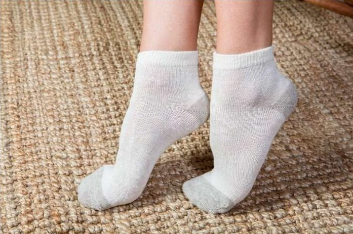 Почему ноги потеют в носках