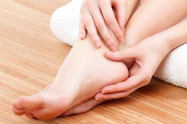 От чего зависит потливость ладоней и ног