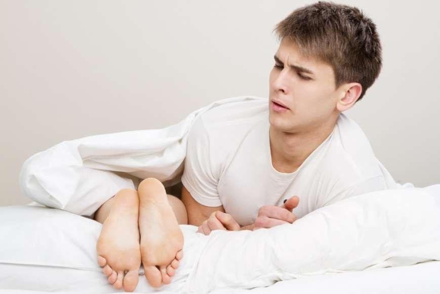 Основные причины потливости ног у женщин