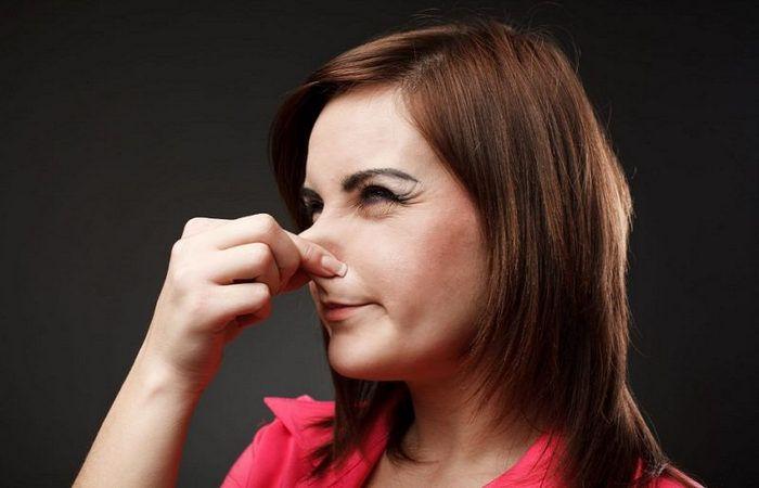 От чего пахнет пот