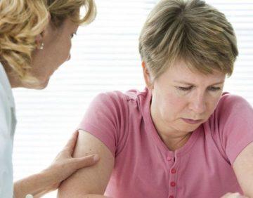 Лечение приливов при климаксе препаратами
