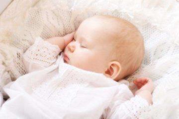У ребенка во сне потеет спина