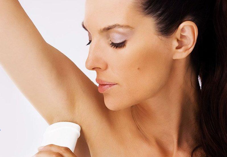 Использование дезодоранта для тела