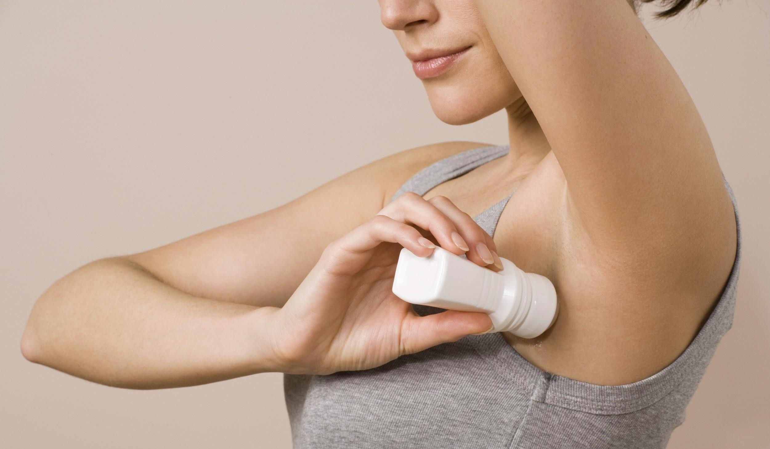 Какие опасности таит дезодорант