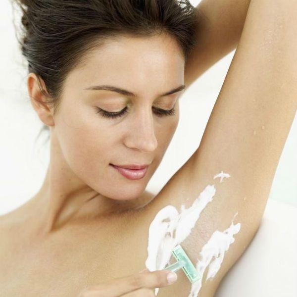 Частое бритье подмышечных впадин