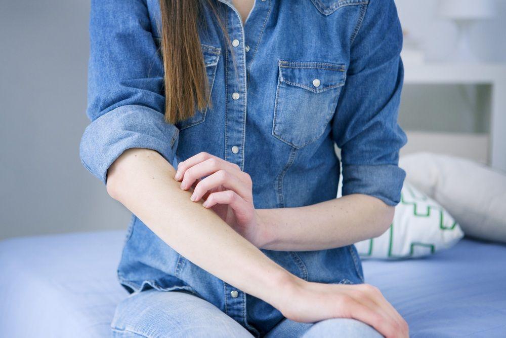 Потеют ноги и сильно воняют: что делать, эффективное лечение