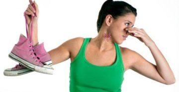 Как убрать запах пота из кроссовок