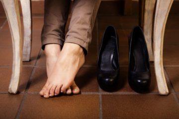 Почему в кожаной обуви потеют ноги