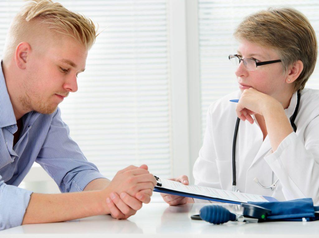Какой врач лечитгипергидроз